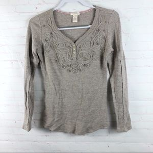 Sundance Appliqué Thermal Top Tee Distressed